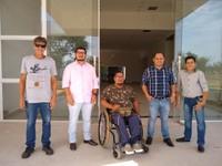 A convite de Ronildo Macedo, associação que defende pessoas com deficiência física testa e aprova acessibilidade da nova sede da Câmara de Vereadores