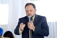 Adilson de Oliveira volta ao cargo de presidente da Câmara