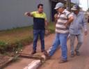 França Silva da Rádio cobra o desentupimento das bocas de lobo das avenidas do município
