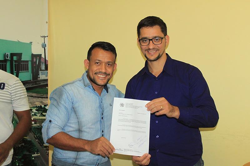 França Silva solicita ao deputado estadual Anderson do Singeperon ambulância para o distrito de Nova Conquista