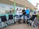 Hospital Regional recebe cadeiras de rodas graças à solicitação de Ronildo Macedo