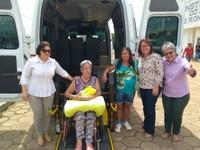 Instituto do Rim recebe van para portadores de deficiência, solicitada por vereadoras Vera e Valdete