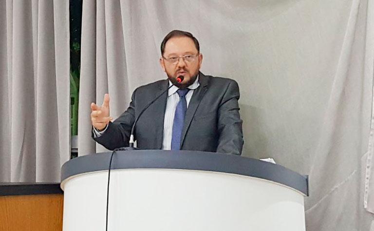 Presidente Adilson pede conclusão de Ponto de Táxi no Setor 19