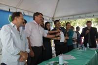 Presidente da Câmara acompanha entrega de calcário a produtores rurais de Vilhena