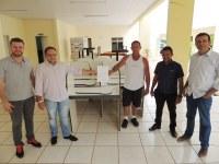 Presidente da Câmara doa estações de trabalho para a Polícia Militar de Vilhena