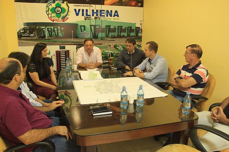 Presidente da Câmara e prefeita se reúnem para debater tráfego de caminhões em Vilhena