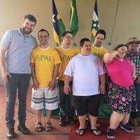 Rafael Maziero apresenta solução para falta de atendimento de fisioterapeutas na APAE de Vilhena