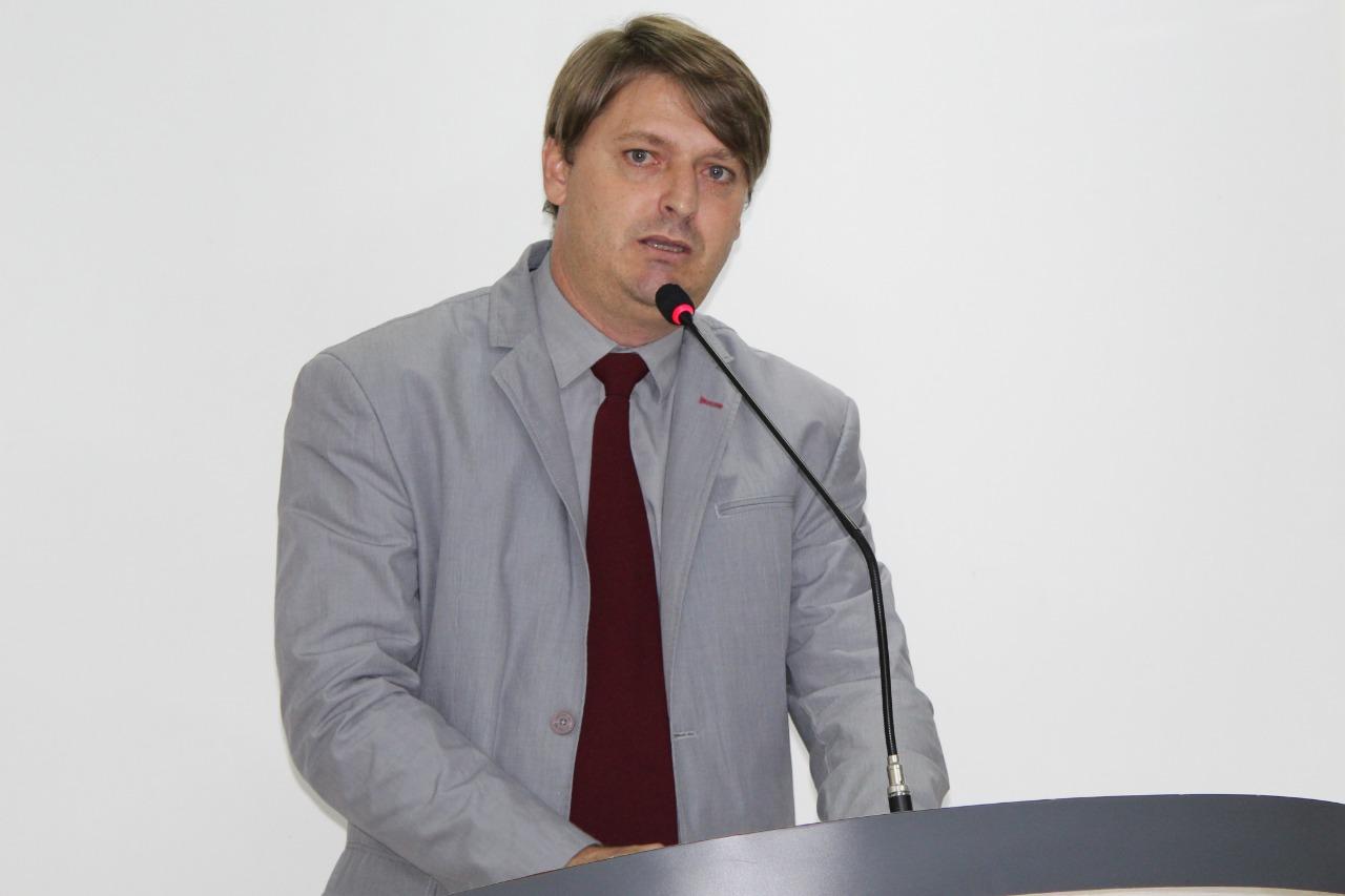 Rogério Golfetto tem projeto de lei que combate a verminose aprovado por unanimidade
