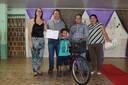 Ronildo Macedo entrega prêmios aos vencedores do concurso de desenho e redação na rede municipal