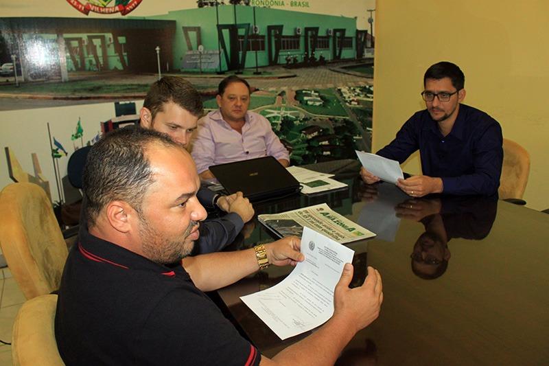 Ronildo Macedo solicita ao deputado Anderson do Singeperon R$ 340 mil para a Saúde e Esporte