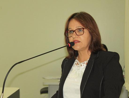 Vera da Farmácia esclarece falta em sessão de votação da CPI