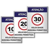 Vereador Rogério Golfetto solicita a implantação de placas de sinalização com limites de velocidade permitidos nas vias do município