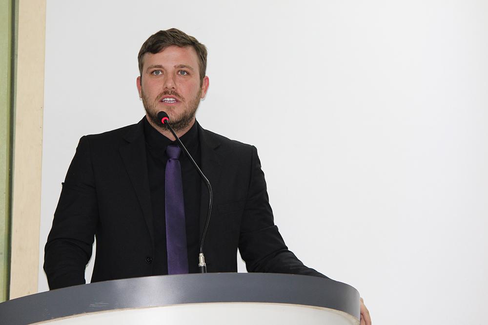 Vereador Samir Ali usa tribuna para cobrar soluções de secretário na área da Saúde vilhenense