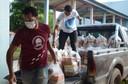 Vereadores entregam mais de 1.200 cestas básicas para distribuição devido à pandemia