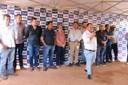 Vereadores participam de lançamento do asfalto do bairro Cristo Rei